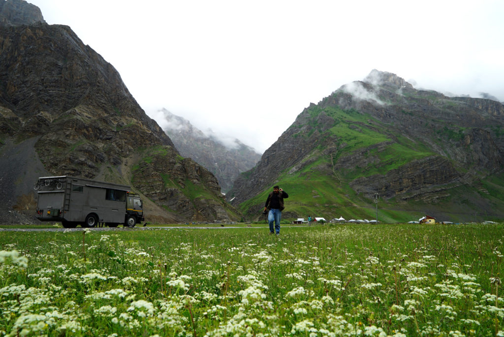 """<img src=""""photo tour landscape in ladakh caravan.jpeg"""" alt=""""best photo tour for landscape astrophotography escorted curated and guided with caravan campervan ladakh in offbeat locations"""">"""