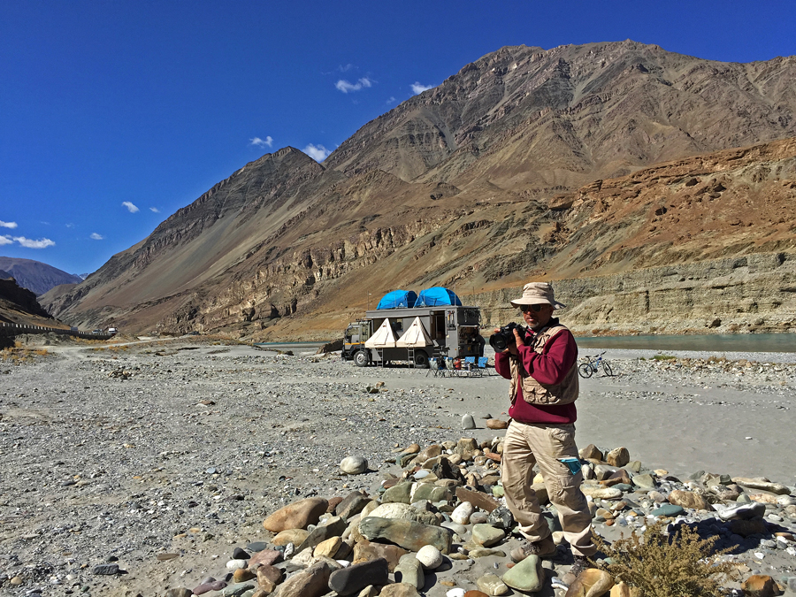 "<img src=""capt suresh sharma photographer taurus the truck"" alt=""capt suresh is multi talented cook photographer driver excellent team leader of green dot expeditions for best offbeat photo tours"">"