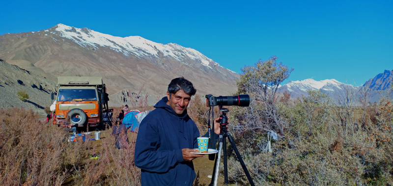 """<img src=""""curated escorted guided photo tour leh ladakh.jpeg"""" alt=""""best photo tour in leh ladakh caravan campervan rv recreational vehicle motorhome to shoot landscape milkywayastrophotography light painting time lapse night sky startrails india"""">"""