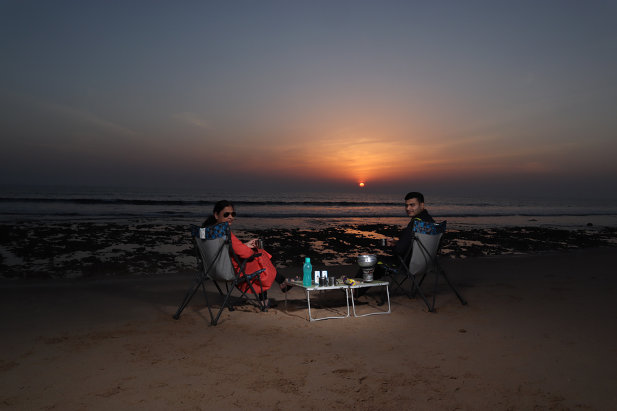 "<img src=""Offbeat campervan holidays for couples.jpeg"" alt=""luxury nomadic romantic unique experience of outdoor overlanding offbeat secluded camp holiday away from tourists crowd to relax unwind quiet place at secluded beach pingleshwar campervan caravan RV in rann of kutch gujarat"">"