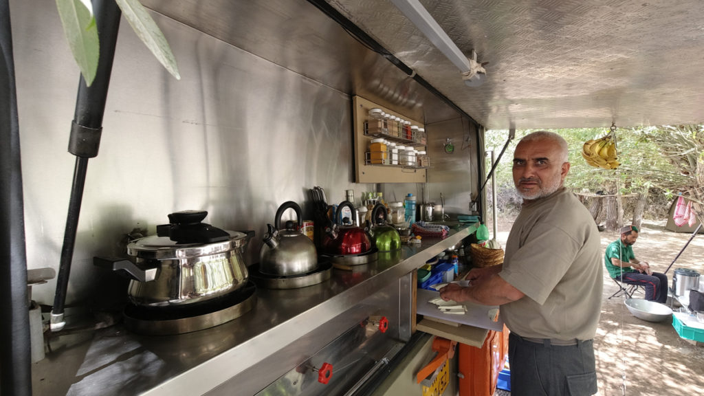"<img src=""caravan campervan kitchen in wilderness india.jpeg"" alt=""best kitchen for overlanding riverside lakeside campervan hygienic camp rural setting  for unique quiet romantic night experience private sunrise family holidays pristine sand dunes jaisalmer rajasthan"">"