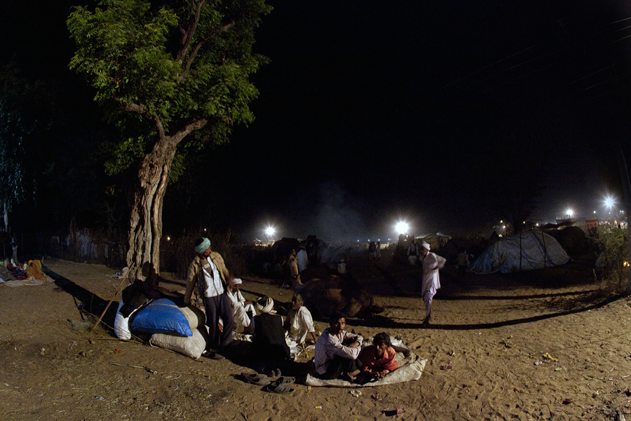 """<img src=""""best photo tour pushkar.jpeg"""" alt=""""luxury nomadic unique experience of outdoor overlanding camp for best photography of camels at pushkar quiet place at secluded places next camel ground unique photo tour"""">"""