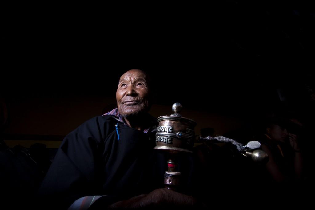 "<img src=""photo tour motorhomecamperan hemis festival ladakh.jpeg"" alt=""photo tour hemis festival caravan campervan vacation soft adventure ladakh overlanding holiday onboard overland truck india"">"