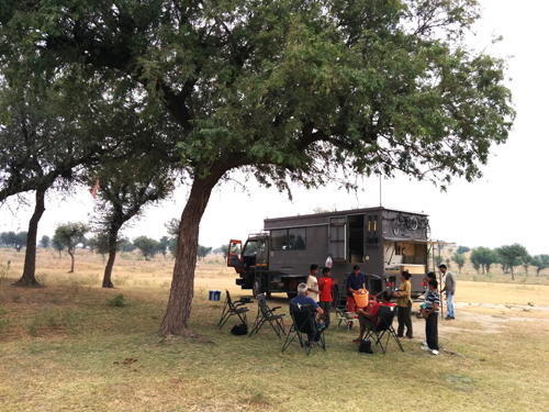 "<img src=""best photo tour motorhome  camperan offbeat family holidays.jpeg"" alt=""caravan campervan vacationcovid19 corona safe soft adventure overlanding holiday onboard overland truck vanlife wilderness best for family churu taal chhapar jaisalmer rajasthan india"">"