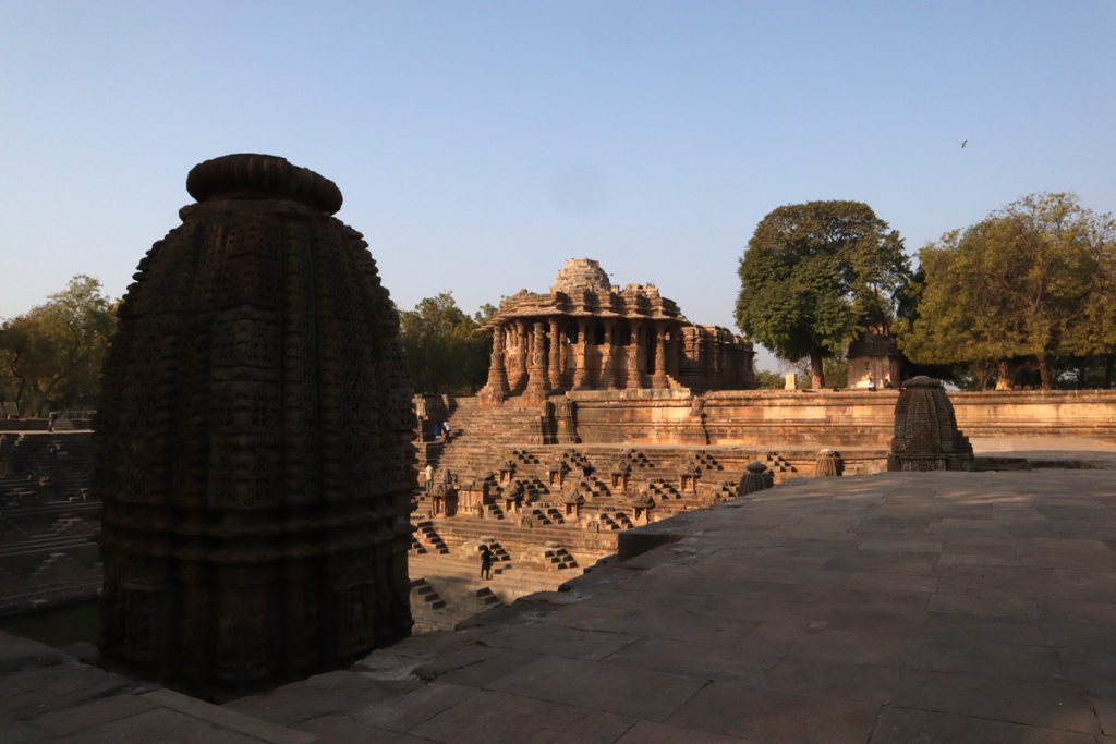 "<img src=""photo tour sun temple modhera gujarat.jpeg"" alt=""offbeat very special  overlanding riverside beach caravan overland truck campervan for photographers families couples to romance secluded quiet peaceful camp location barbecue hygienic camp best photo tour sun temple modhera kutch gujarat"">"