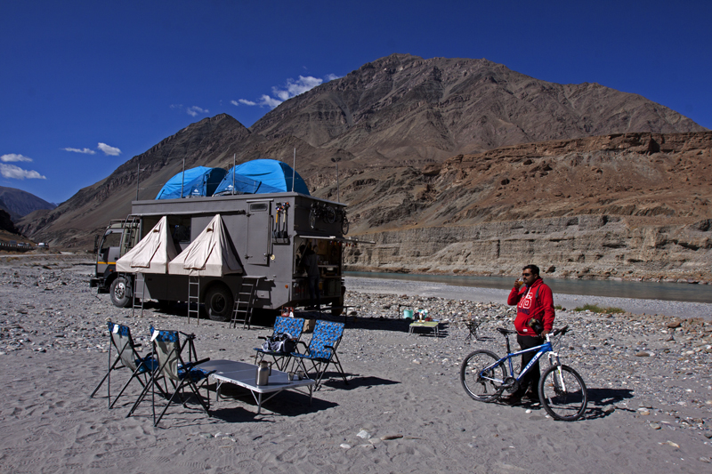 """<img src=""""photo tour in a caravan for landscape in ladakh.jpeg"""" alt=""""best photo tour for landscape astrophotography escorted curated and guided with caravan campervan ladakh in offbeat camp on the banks of river indus"""">"""