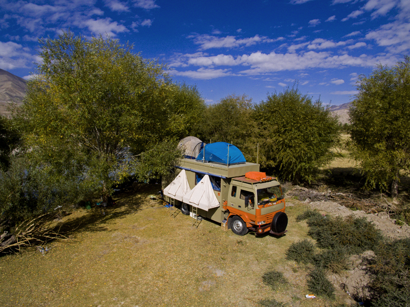 "<img src=""best offbeat RV caravan campervan holidays.jpeg"" alt=""most hygienic offbeat camping covid19 corona safe vacation caravan motorhome campervan nomadic overlanding holiday onboard overland truck to enjoy best vanlife in indd in wilderness best for small group family holidays pingleshwar beach bhuj kutch gujarat india"">"