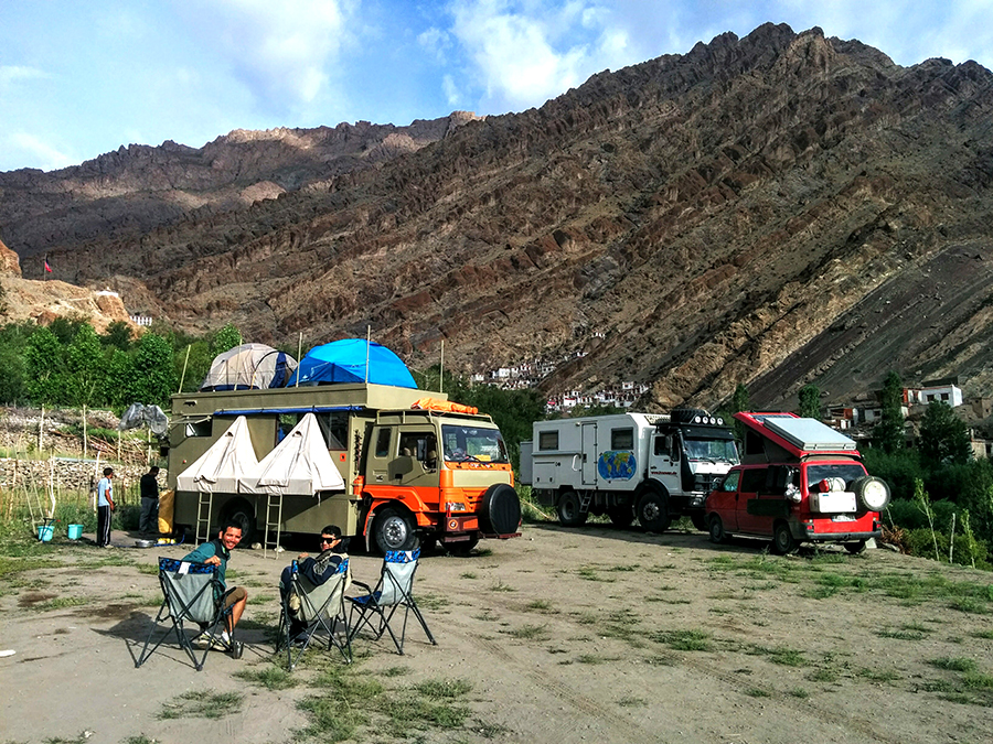 "img src=""caravan recreational vehicle offbeat holidays.jpeg"" alt=""caravan campervan motorhome vacation overlanding holiday onboard overland truck vanlife with weber barbecue grill food experience wilderness at sunset sunrise for best family vacation barot valley himachal pradesh ladakh kutch gujarat jaisalmer rajasthan covid19 corona safe soft adventure india"">"